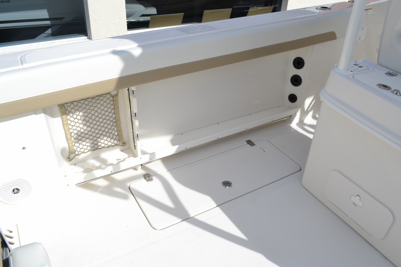 Thumbnail 26 for New 2016 Sailfish 290 CC Center Console boat for sale in West Palm Beach, FL