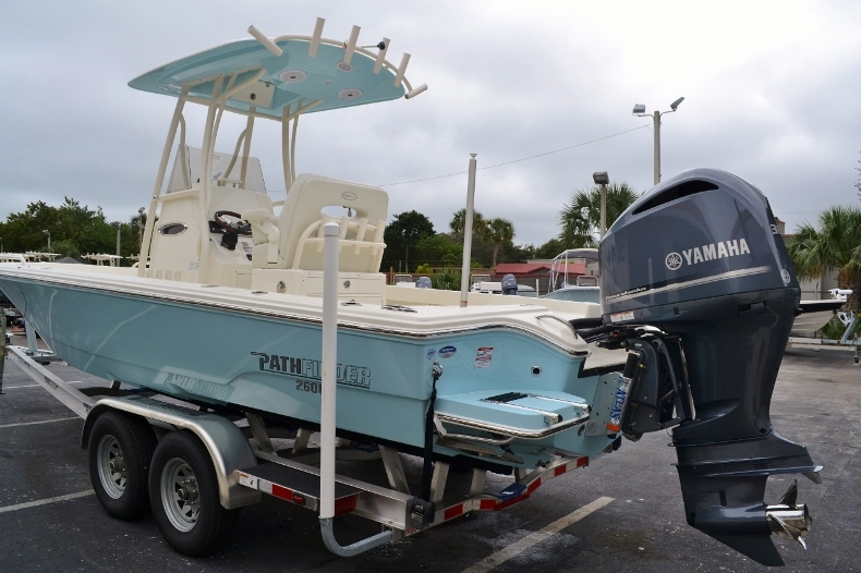 Thumbnail 3 for New 2016 Pathfinder 2600 TRS boat for sale in Vero Beach, FL
