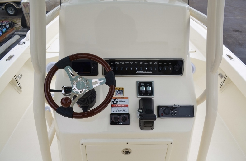 Thumbnail 13 for New 2016 Pathfinder 2600 TRS boat for sale in Vero Beach, FL
