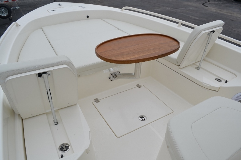 Thumbnail 23 for New 2016 Pathfinder 2600 TRS boat for sale in Vero Beach, FL