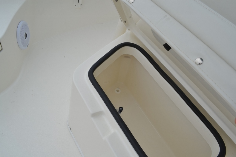 Thumbnail 30 for New 2016 Pathfinder 2600 TRS boat for sale in Vero Beach, FL