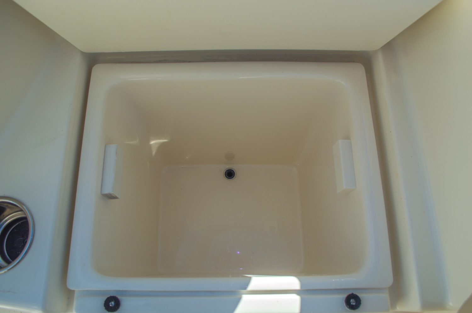 Thumbnail 25 for New 2016 Cobia 217 Center Console boat for sale in West Palm Beach, FL