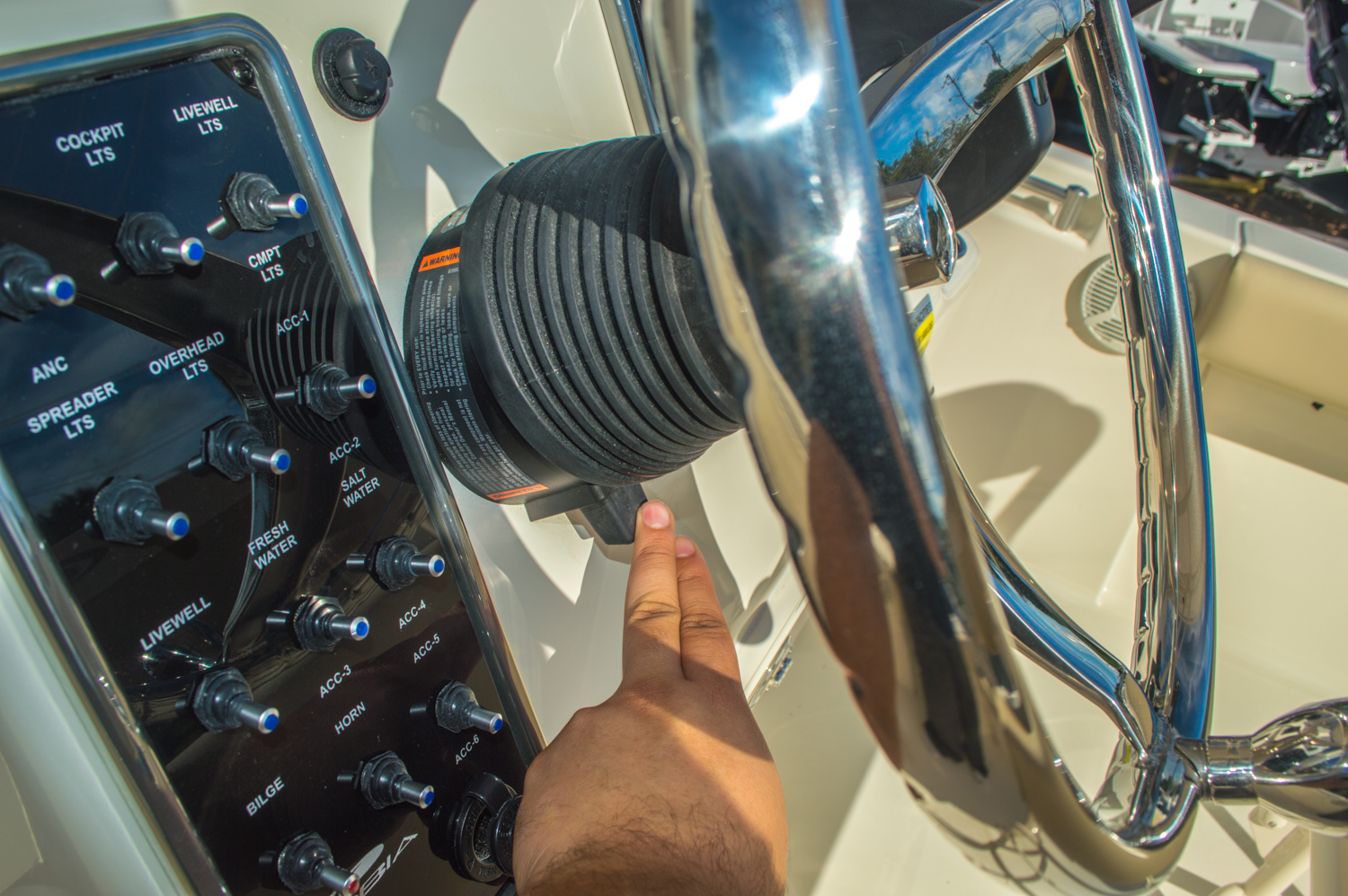 Thumbnail 38 for New 2016 Cobia 217 Center Console boat for sale in West Palm Beach, FL