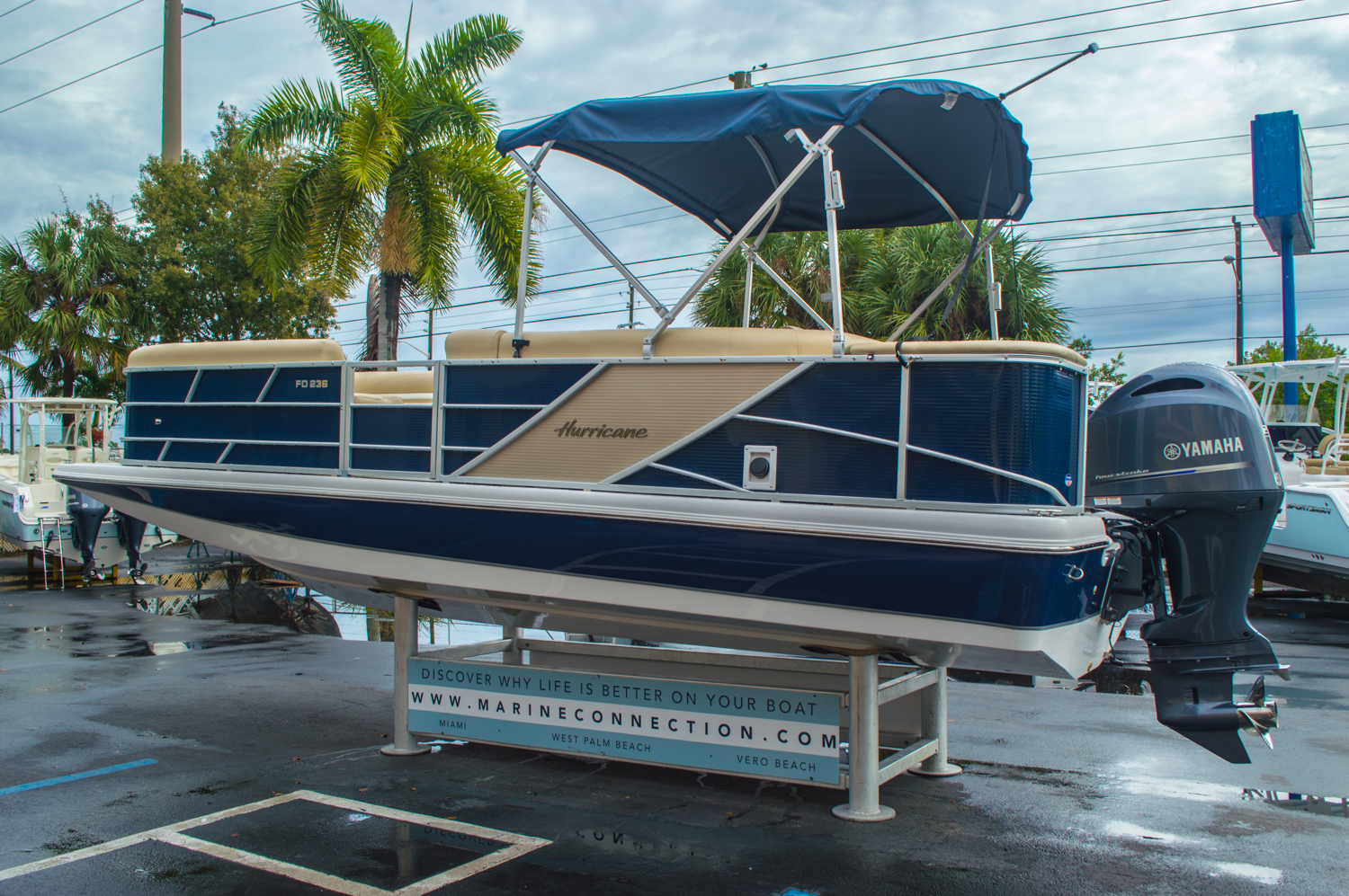 Thumbnail 5 for New 2016 Hurricane FunDeck FD 236 OB boat for sale in Miami, FL