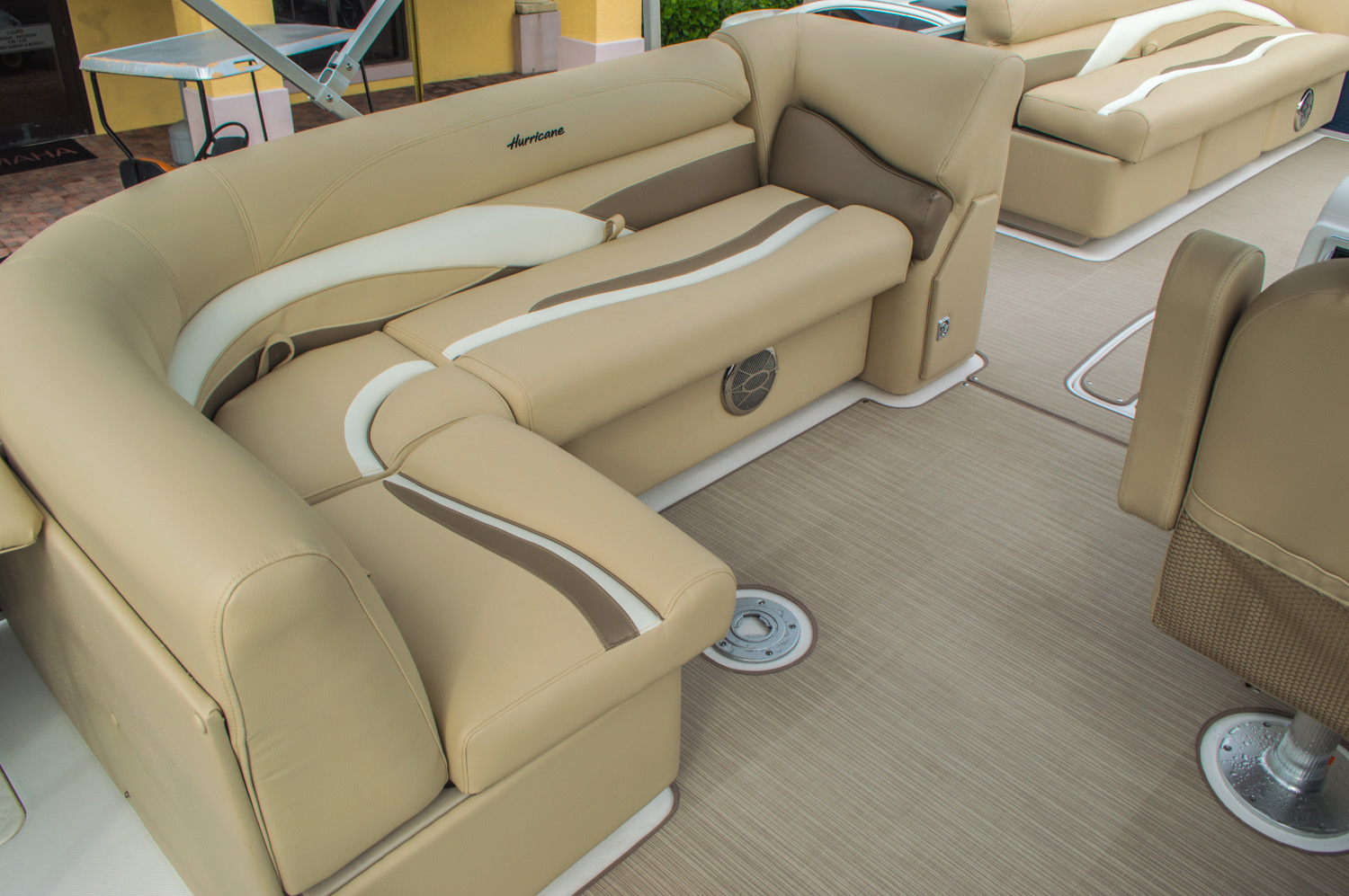 Thumbnail 15 for New 2016 Hurricane FunDeck FD 236 OB boat for sale in Miami, FL