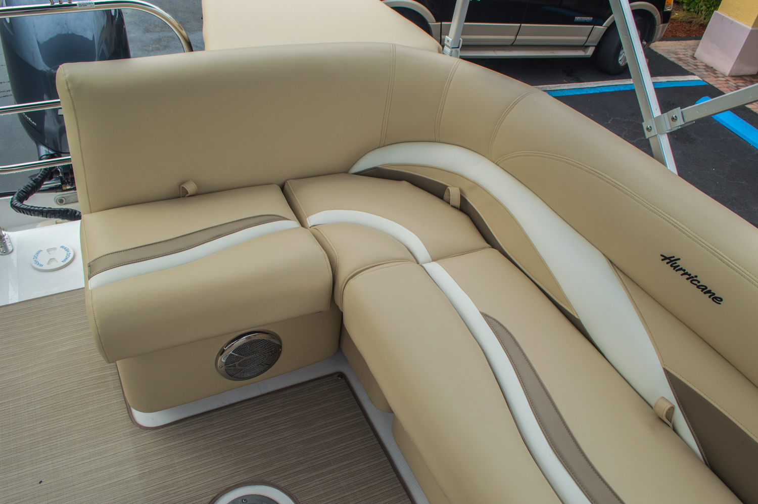 Thumbnail 21 for New 2016 Hurricane FunDeck FD 236 OB boat for sale in Miami, FL