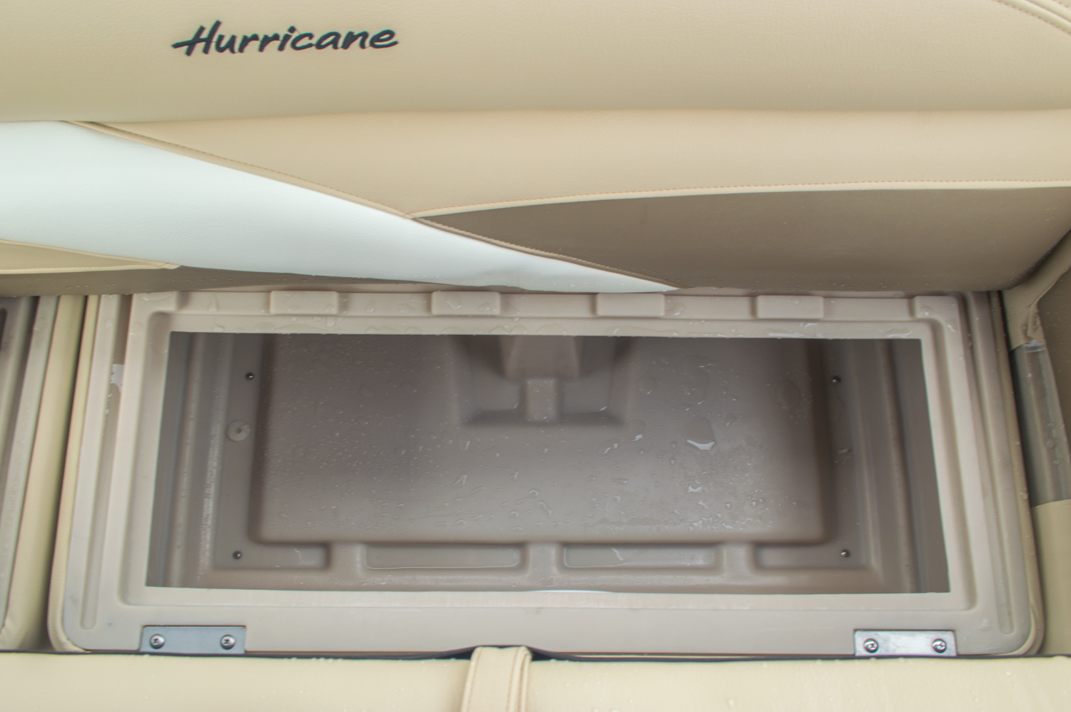 Thumbnail 25 for New 2016 Hurricane FunDeck FD 236 OB boat for sale in Miami, FL