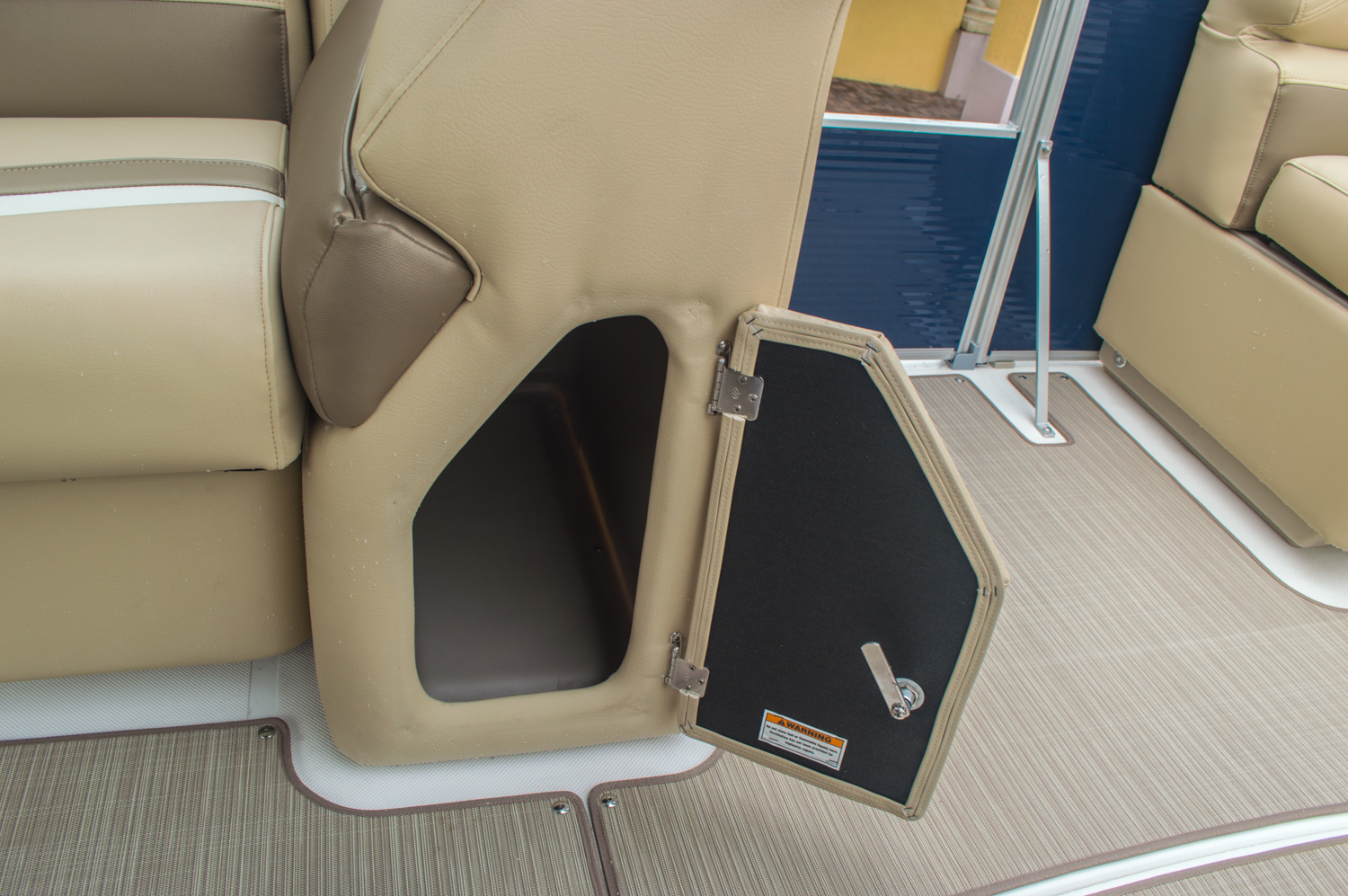 Thumbnail 26 for New 2016 Hurricane FunDeck FD 236 OB boat for sale in Miami, FL