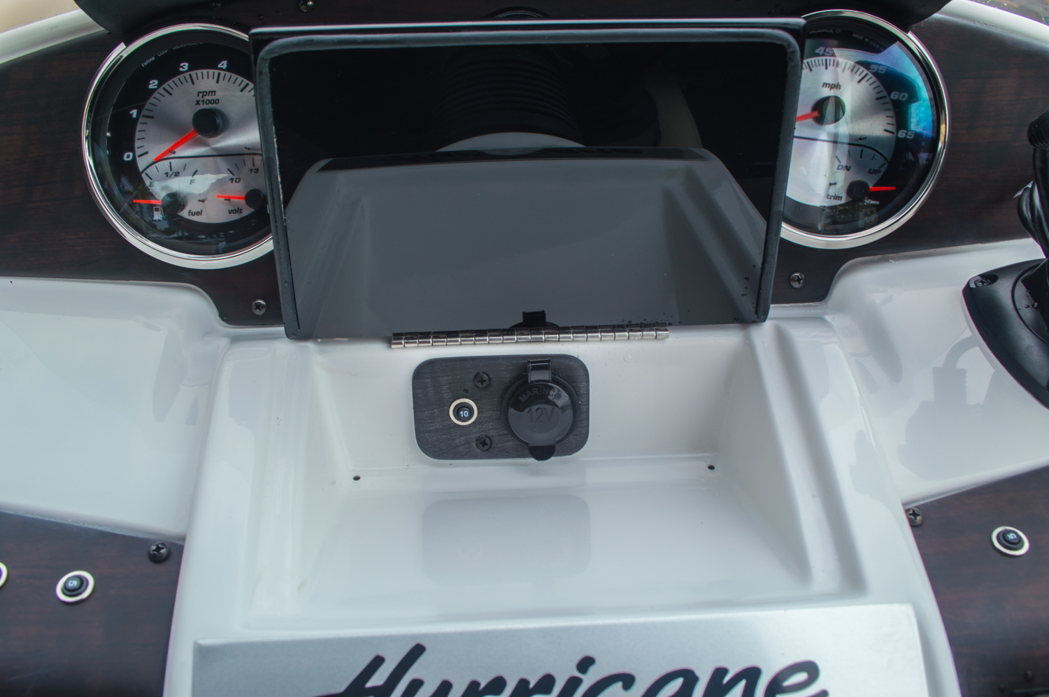 Thumbnail 34 for New 2016 Hurricane FunDeck FD 236 OB boat for sale in Miami, FL