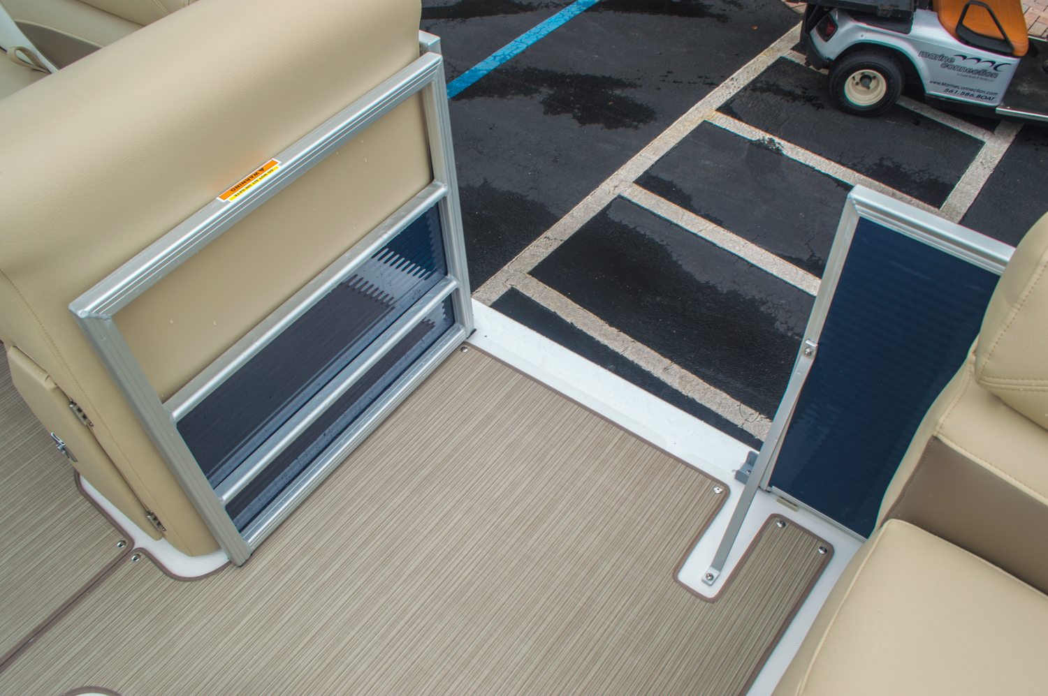 Thumbnail 44 for New 2016 Hurricane FunDeck FD 236 OB boat for sale in Miami, FL