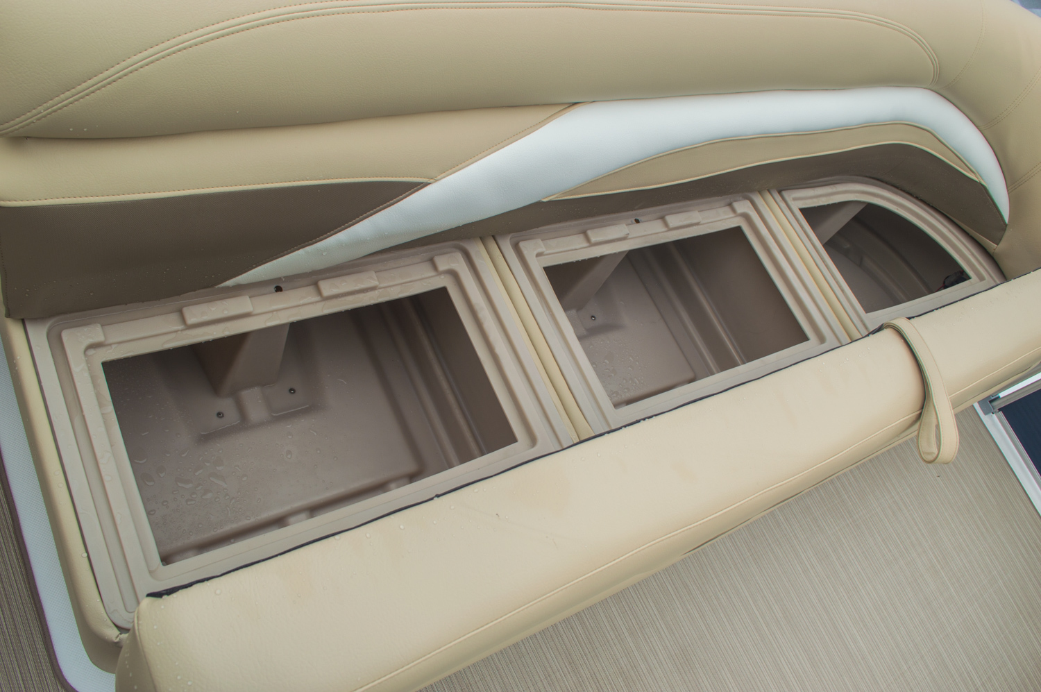 Thumbnail 47 for New 2016 Hurricane FunDeck FD 236 OB boat for sale in Miami, FL