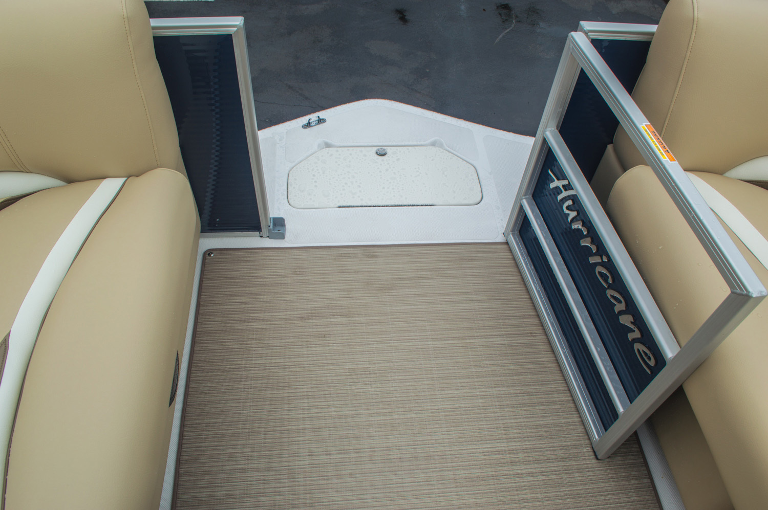 Thumbnail 59 for New 2016 Hurricane FunDeck FD 236 OB boat for sale in Miami, FL