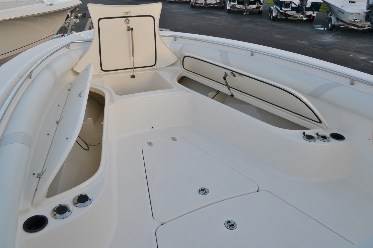 Thumbnail 16 for Used 2007 Boston Whaler 320 Outrage boat for sale in Vero Beach, FL