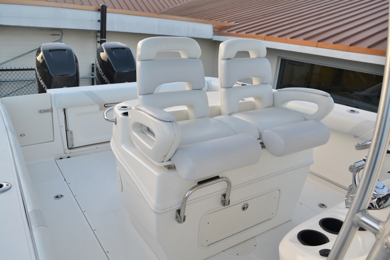 Thumbnail 21 for Used 2007 Boston Whaler 320 Outrage boat for sale in Vero Beach, FL