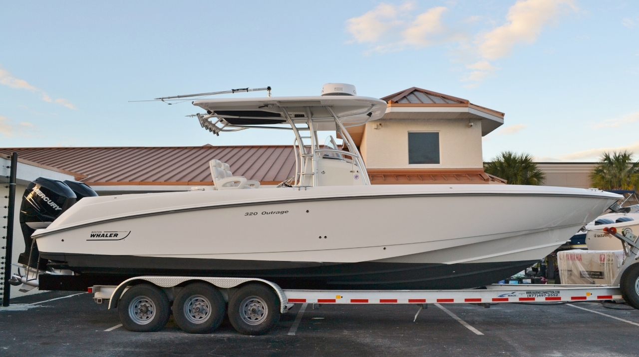 Used 2007 Boston Whaler 320 Outrage boat for sale in Vero Beach, FL