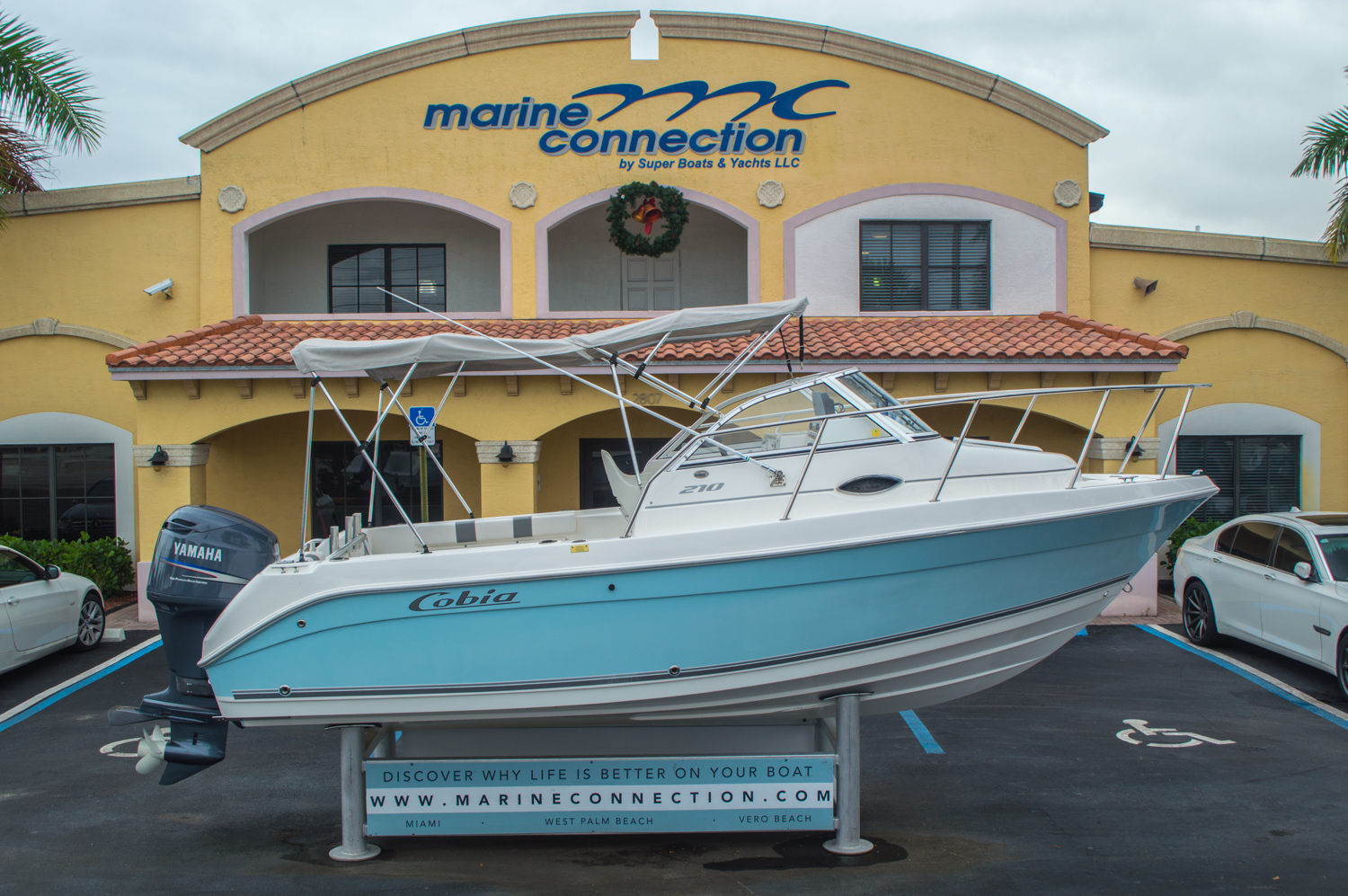 Used 2004 Cobia 210 WAC Walkaround boat for sale in West Palm Beach, FL