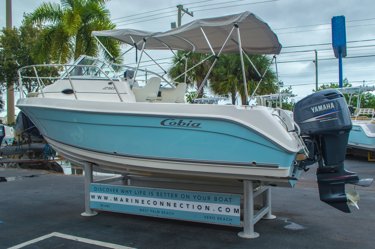 Thumbnail 5 for Used 2004 Cobia 210 WAC Walkaround boat for sale in West Palm Beach, FL