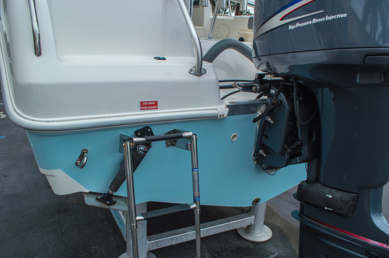 Thumbnail 15 for Used 2004 Cobia 210 WAC Walkaround boat for sale in West Palm Beach, FL