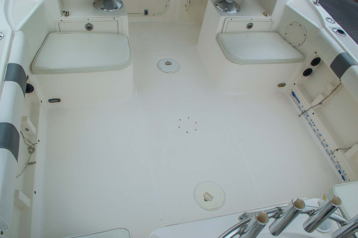 Thumbnail 17 for Used 2004 Cobia 210 WAC Walkaround boat for sale in West Palm Beach, FL