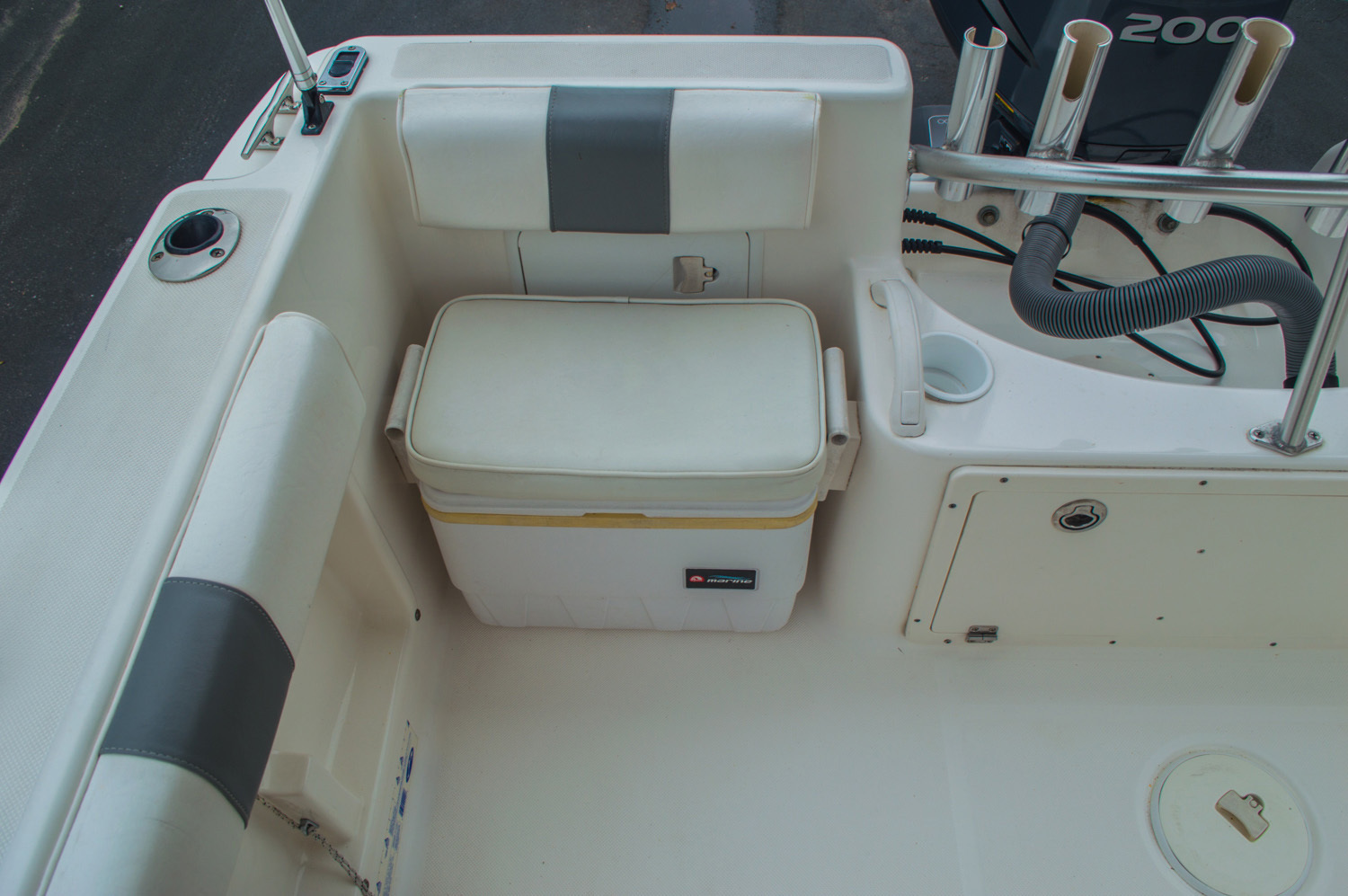 Thumbnail 20 for Used 2004 Cobia 210 WAC Walkaround boat for sale in West Palm Beach, FL