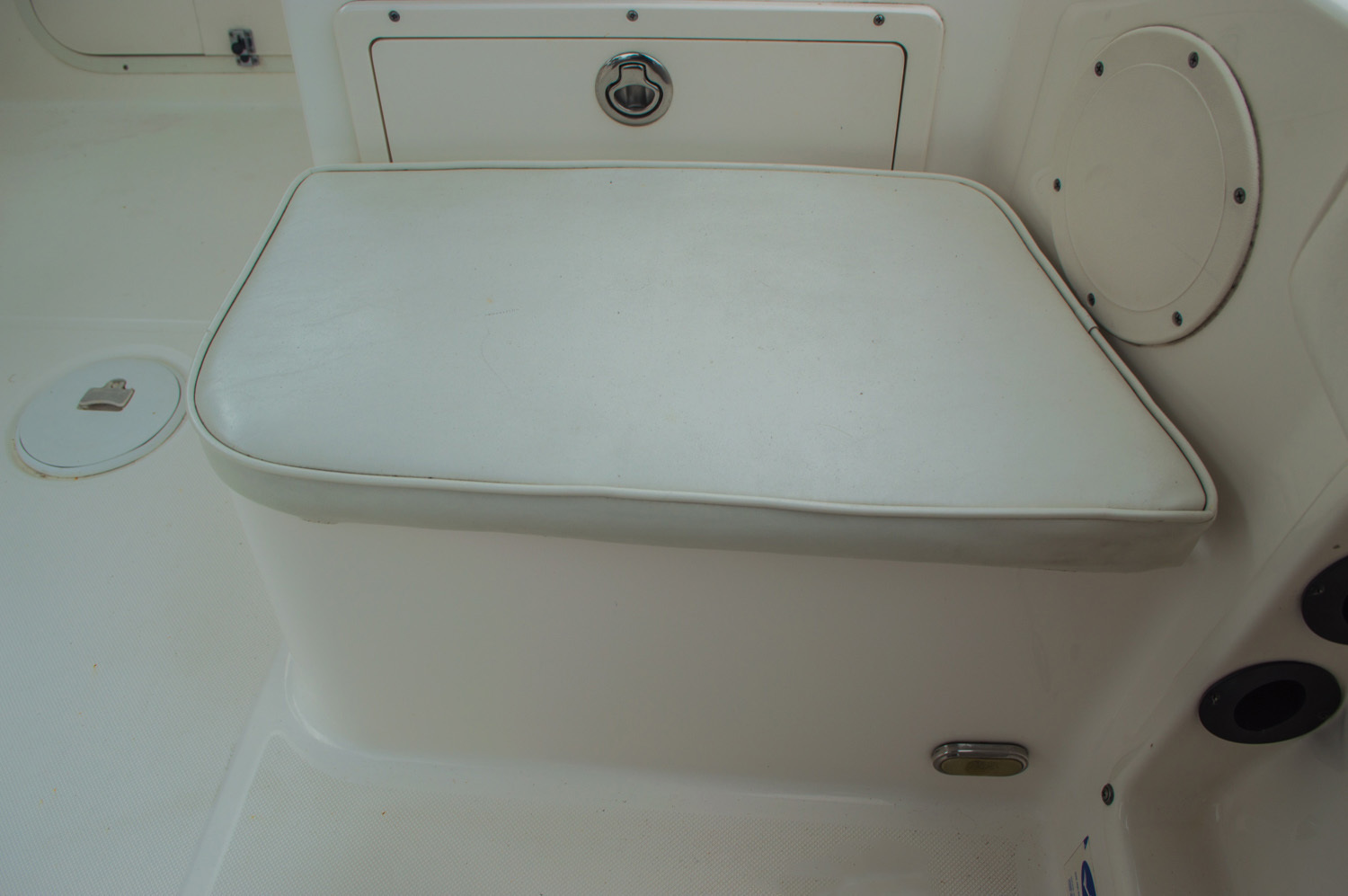 Thumbnail 27 for Used 2004 Cobia 210 WAC Walkaround boat for sale in West Palm Beach, FL