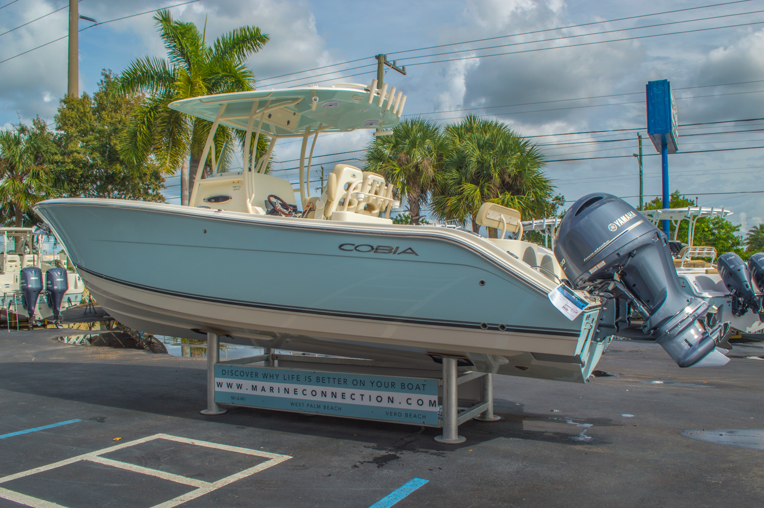 Thumbnail 7 for New 2016 Cobia 277 Center Console boat for sale in West Palm Beach, FL
