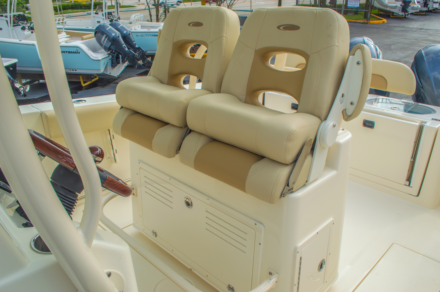 Thumbnail 34 for New 2016 Cobia 277 Center Console boat for sale in West Palm Beach, FL