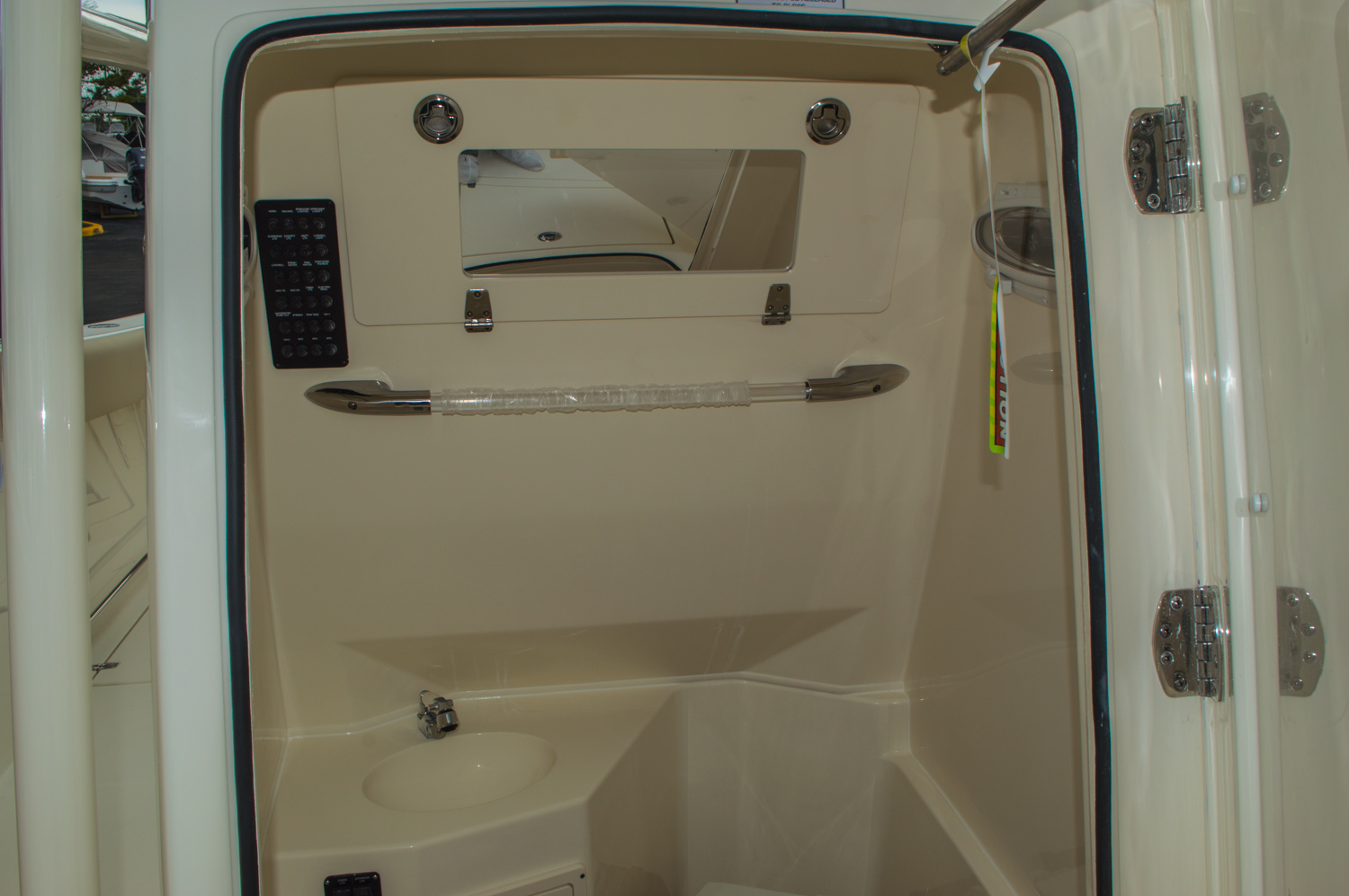 Thumbnail 54 for New 2016 Cobia 277 Center Console boat for sale in West Palm Beach, FL