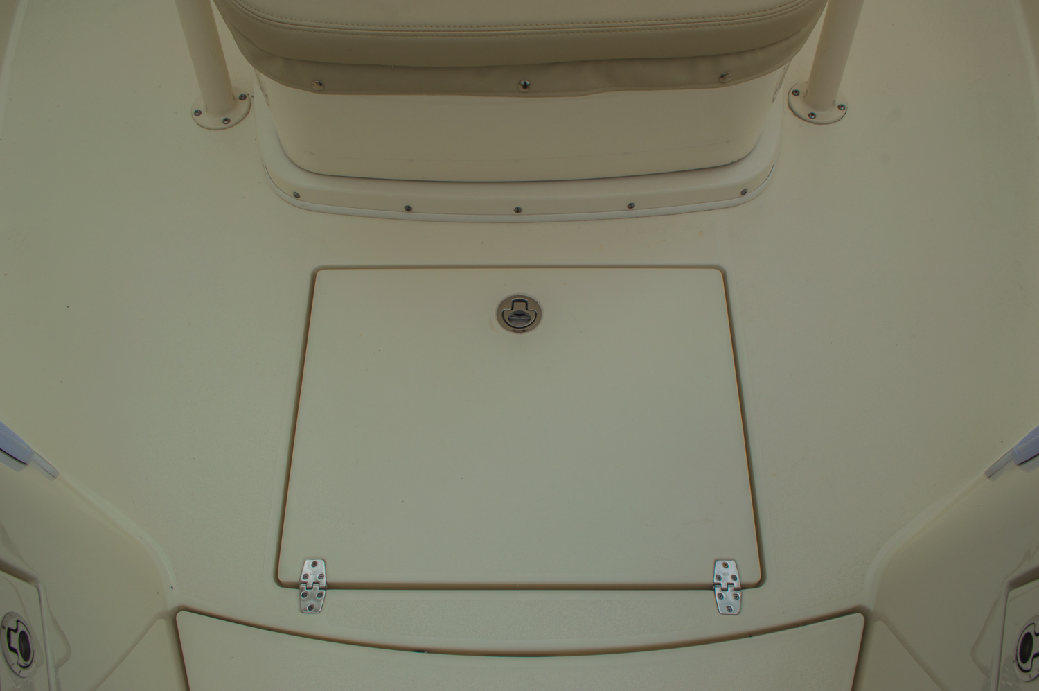 Thumbnail 56 for New 2016 Cobia 277 Center Console boat for sale in West Palm Beach, FL