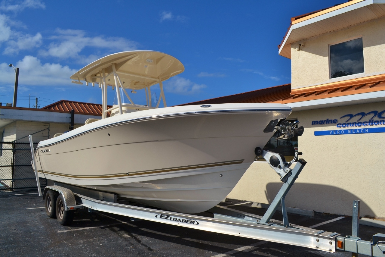 Thumbnail 1 for New 2016 Cobia 237 Center Console boat for sale in West Palm Beach, FL