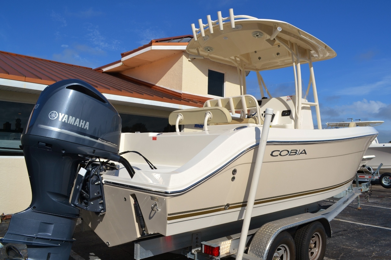 Thumbnail 6 for New 2016 Cobia 237 Center Console boat for sale in West Palm Beach, FL