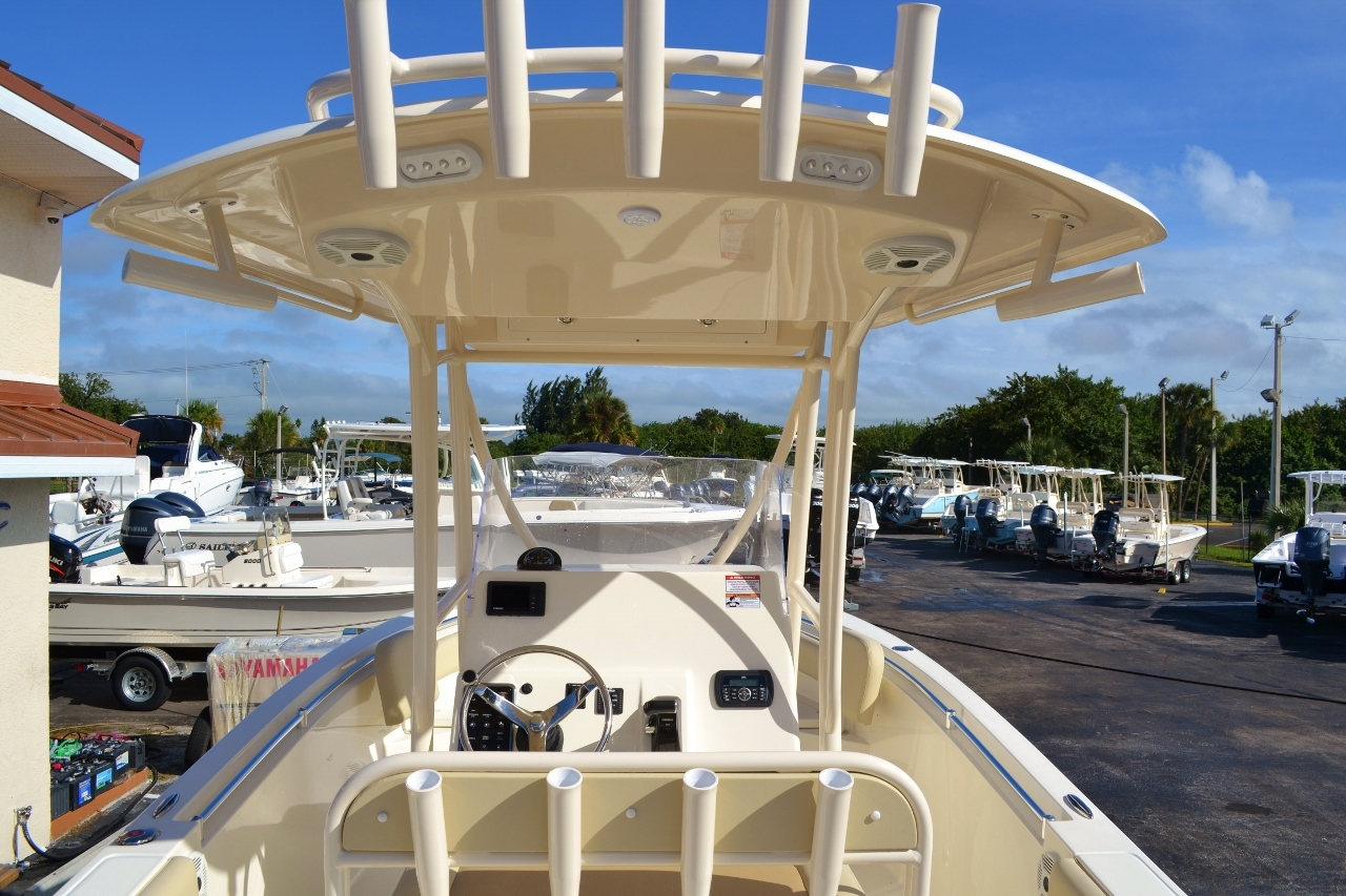 Thumbnail 10 for New 2016 Cobia 237 Center Console boat for sale in West Palm Beach, FL