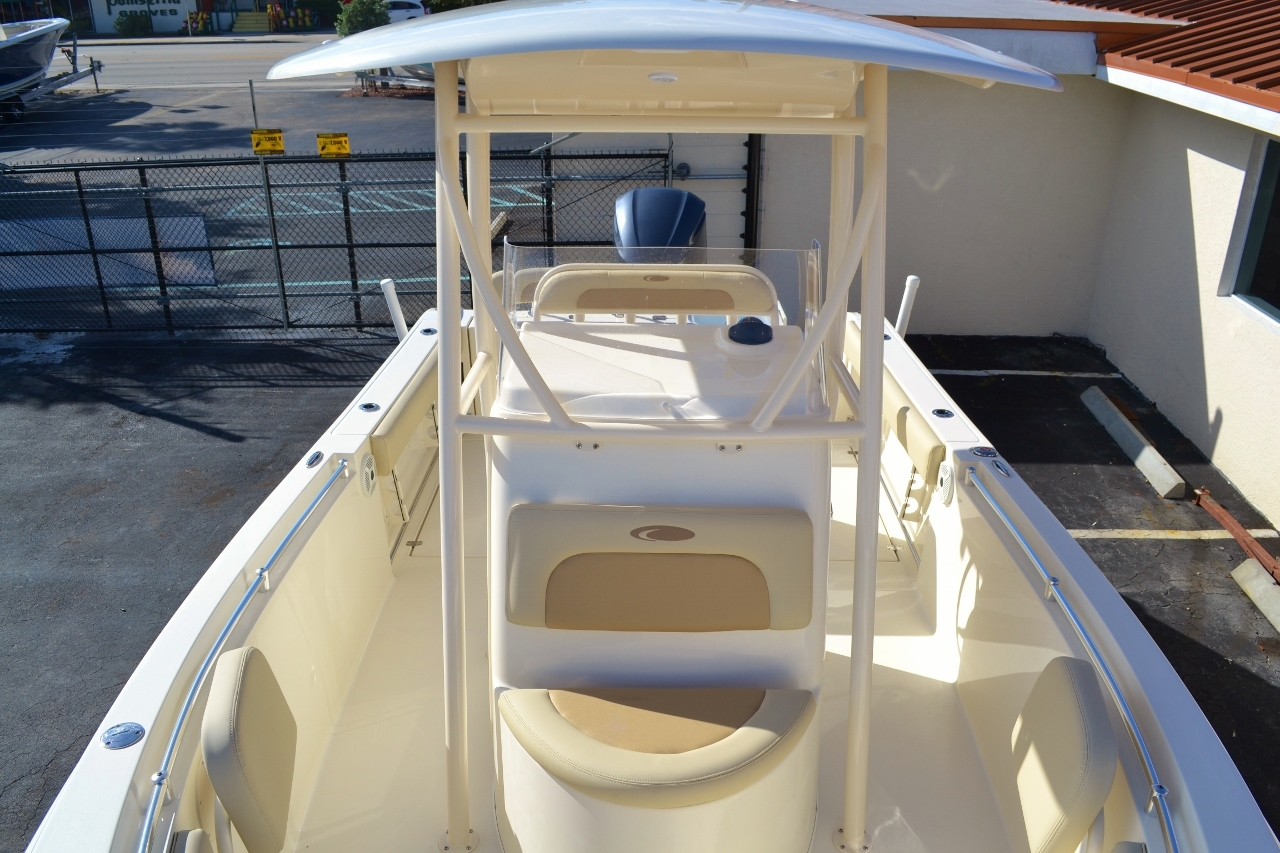 Thumbnail 16 for New 2016 Cobia 237 Center Console boat for sale in West Palm Beach, FL