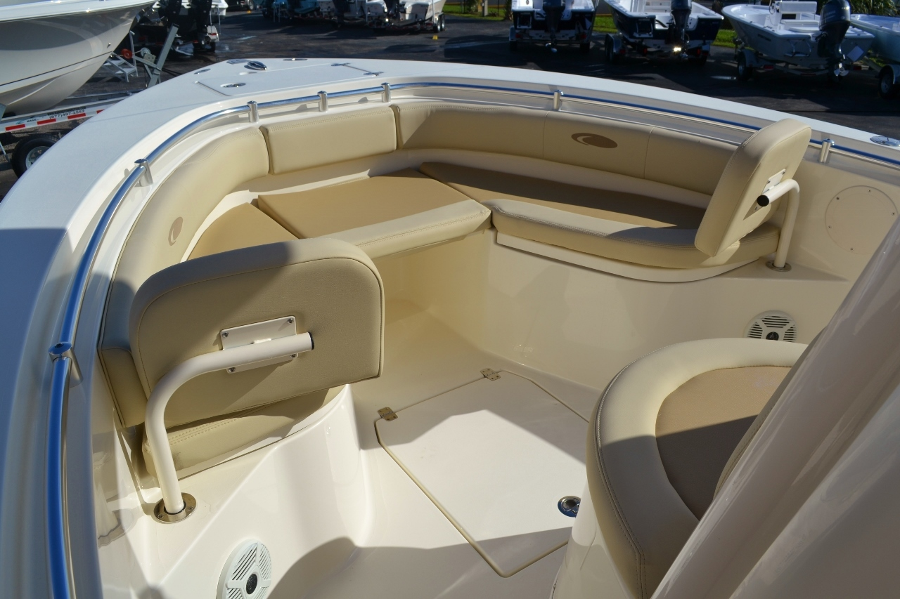 Thumbnail 17 for New 2016 Cobia 237 Center Console boat for sale in West Palm Beach, FL