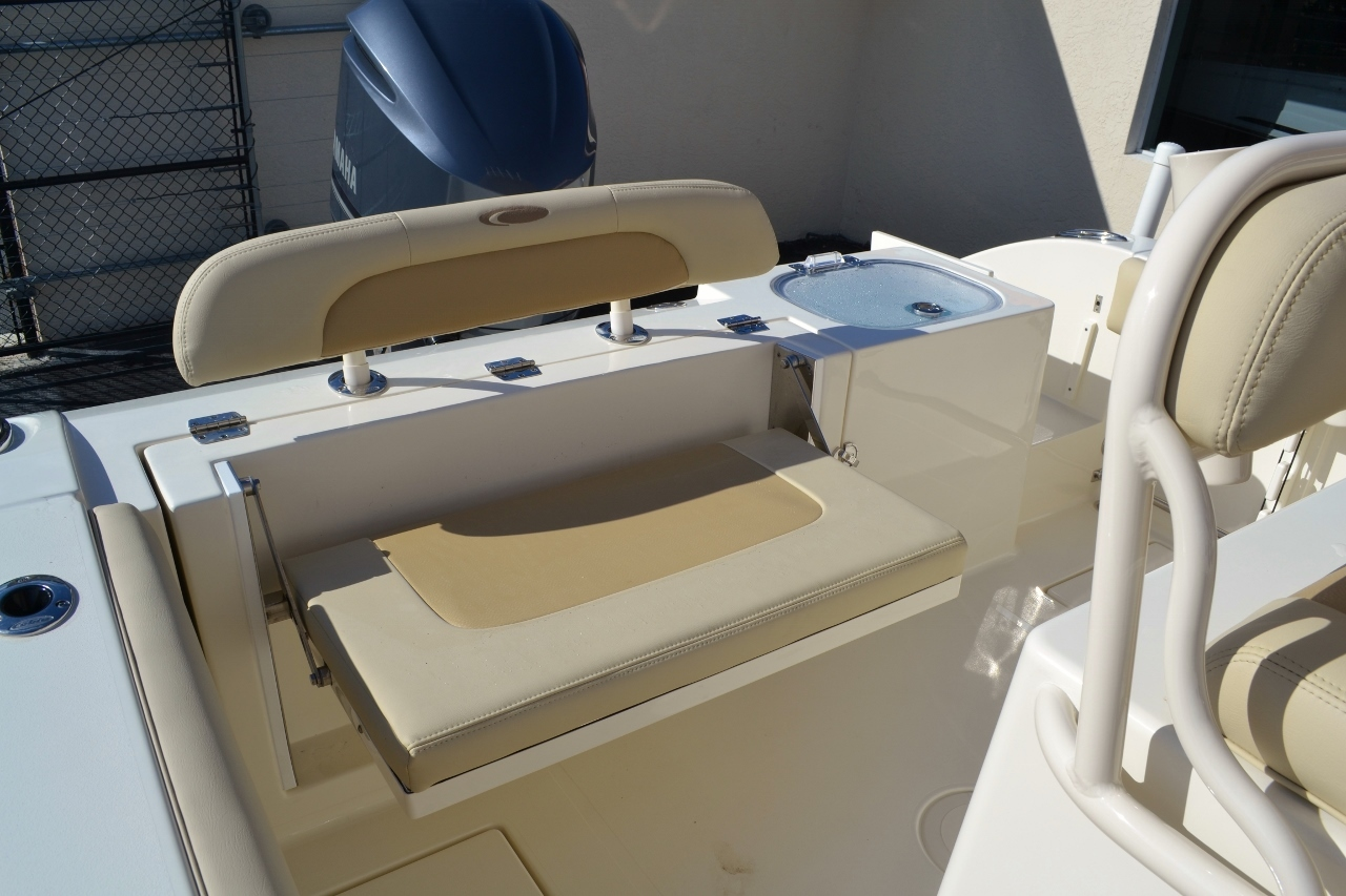 Thumbnail 23 for New 2016 Cobia 237 Center Console boat for sale in West Palm Beach, FL