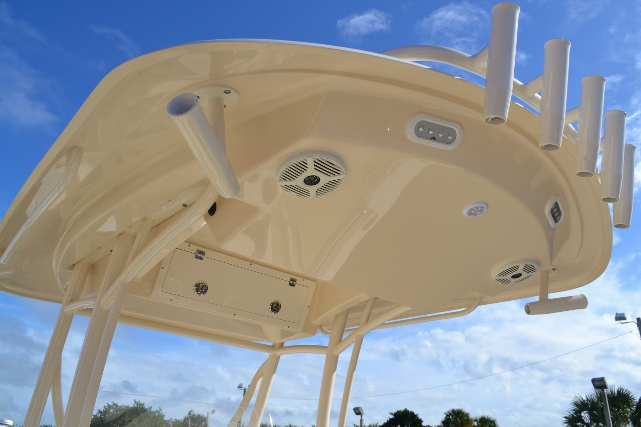 Thumbnail 26 for New 2016 Cobia 237 Center Console boat for sale in West Palm Beach, FL
