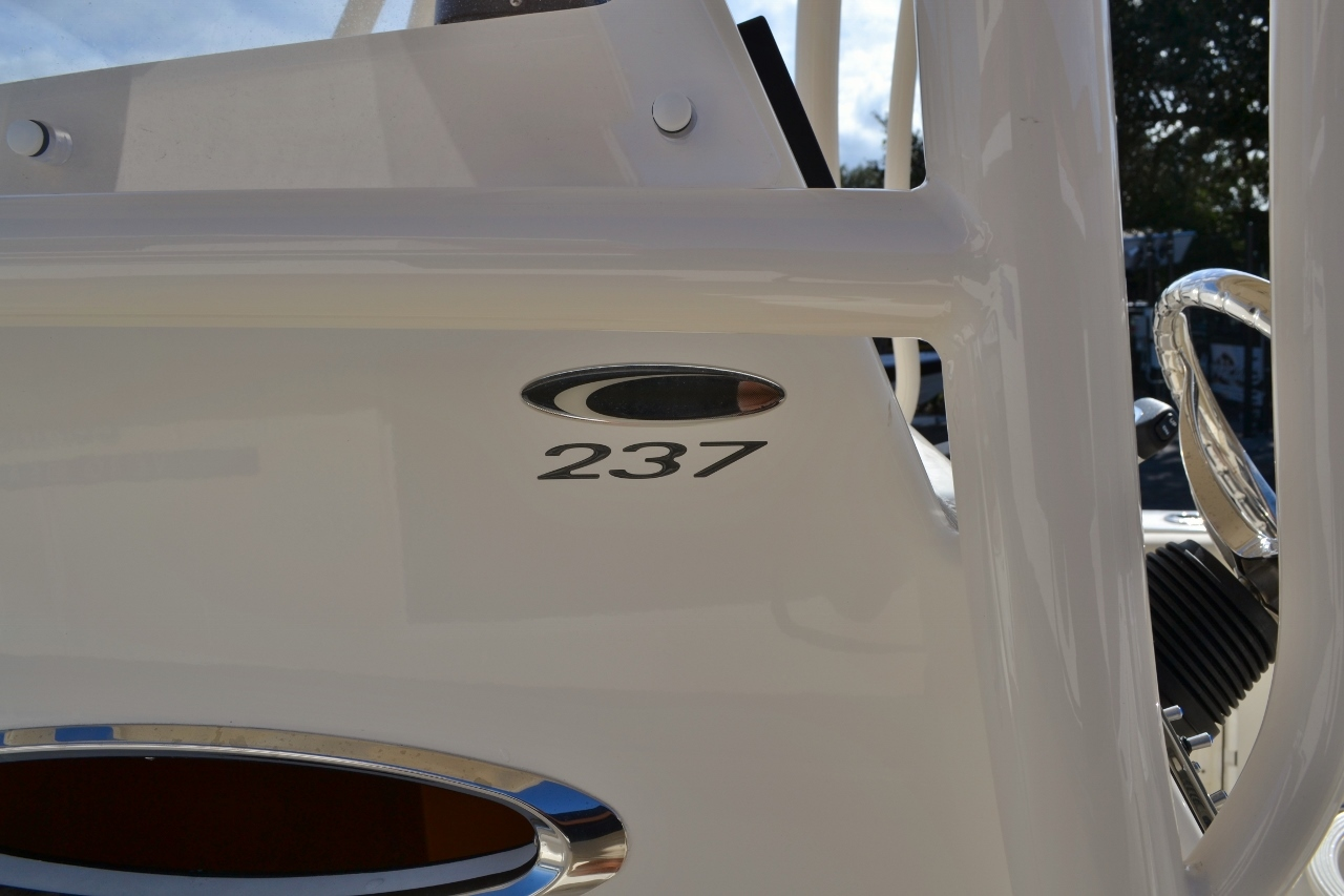 Thumbnail 27 for New 2016 Cobia 237 Center Console boat for sale in West Palm Beach, FL