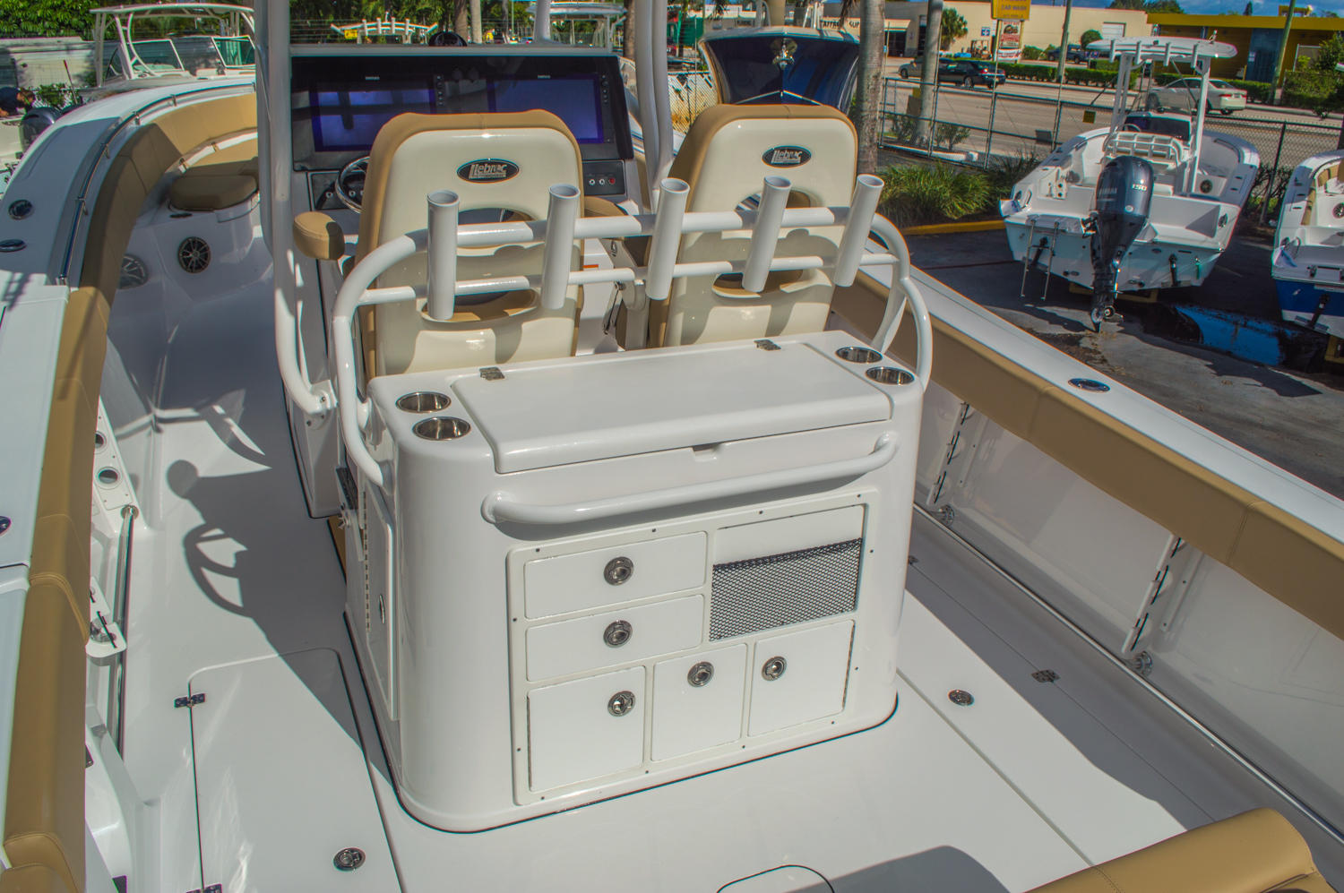 Thumbnail 18 for New 2016 Sportsman Open 312 Center Console boat for sale in Miami, FL