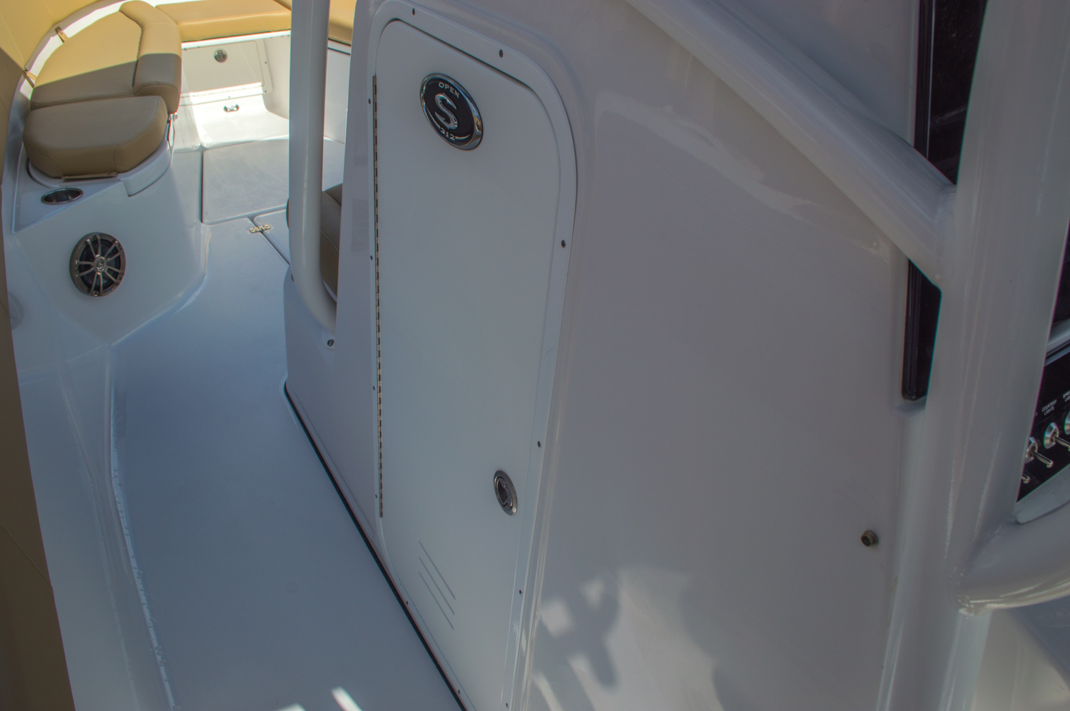 Thumbnail 63 for New 2016 Sportsman Open 312 Center Console boat for sale in Miami, FL
