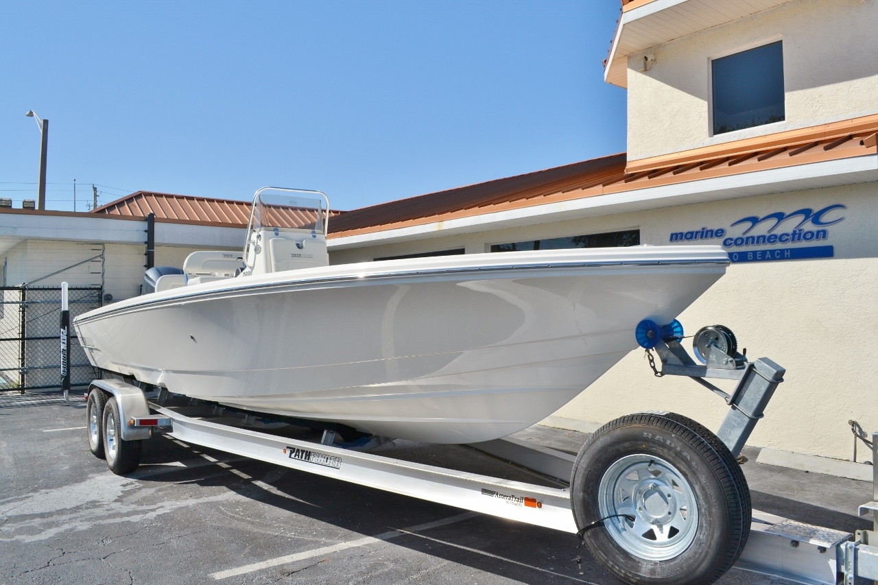 Thumbnail 1 for New 2016 Pathfinder 2600 HPS Bay Boat boat for sale in Vero Beach, FL