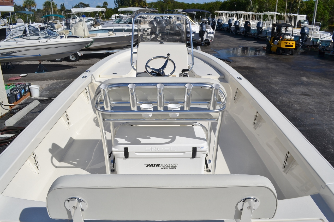 Thumbnail 9 for New 2016 Pathfinder 2600 HPS Bay Boat boat for sale in Vero Beach, FL