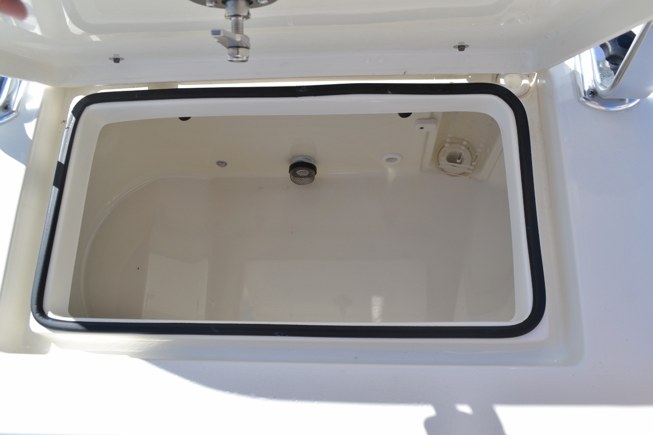 Thumbnail 22 for New 2016 Pathfinder 2600 HPS Bay Boat boat for sale in Vero Beach, FL