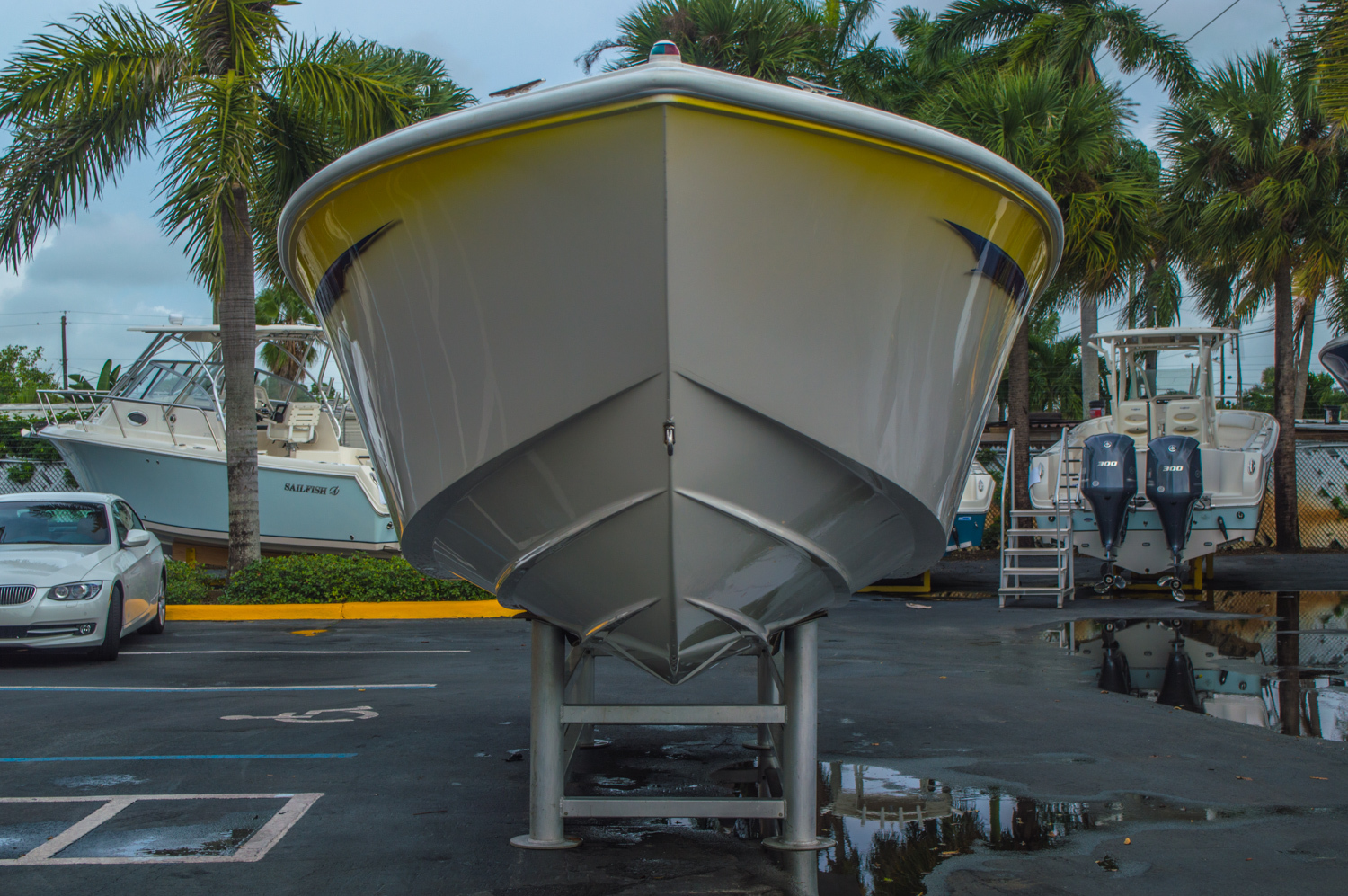 Thumbnail 6 for Used 2001 Sonic 31 SS boat for sale in West Palm Beach, FL