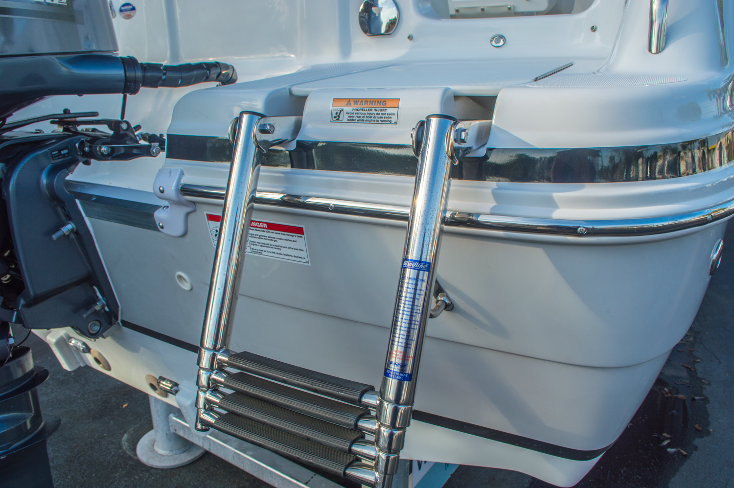 Thumbnail 9 for New 2016 Hurricane CC211 Center Consle boat for sale in West Palm Beach, FL