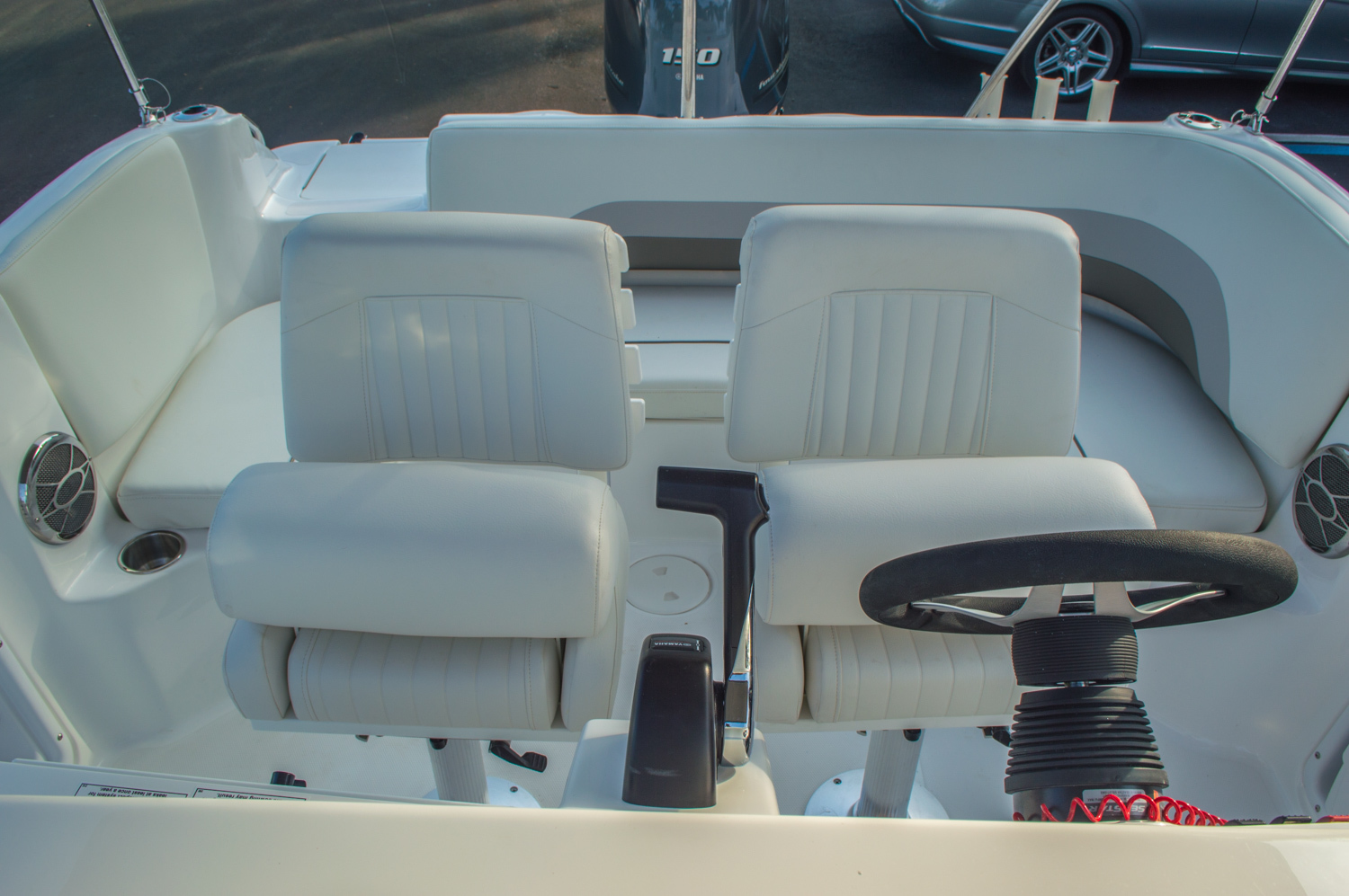 Thumbnail 12 for New 2016 Hurricane CC211 Center Consle boat for sale in West Palm Beach, FL