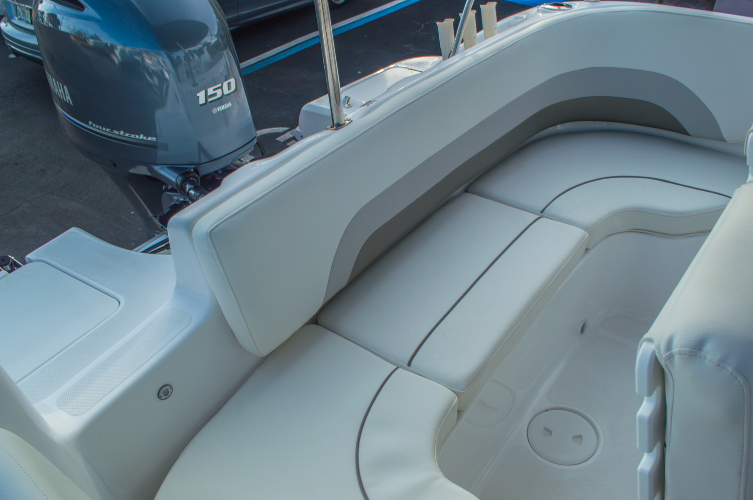 Thumbnail 14 for New 2016 Hurricane CC211 Center Consle boat for sale in West Palm Beach, FL