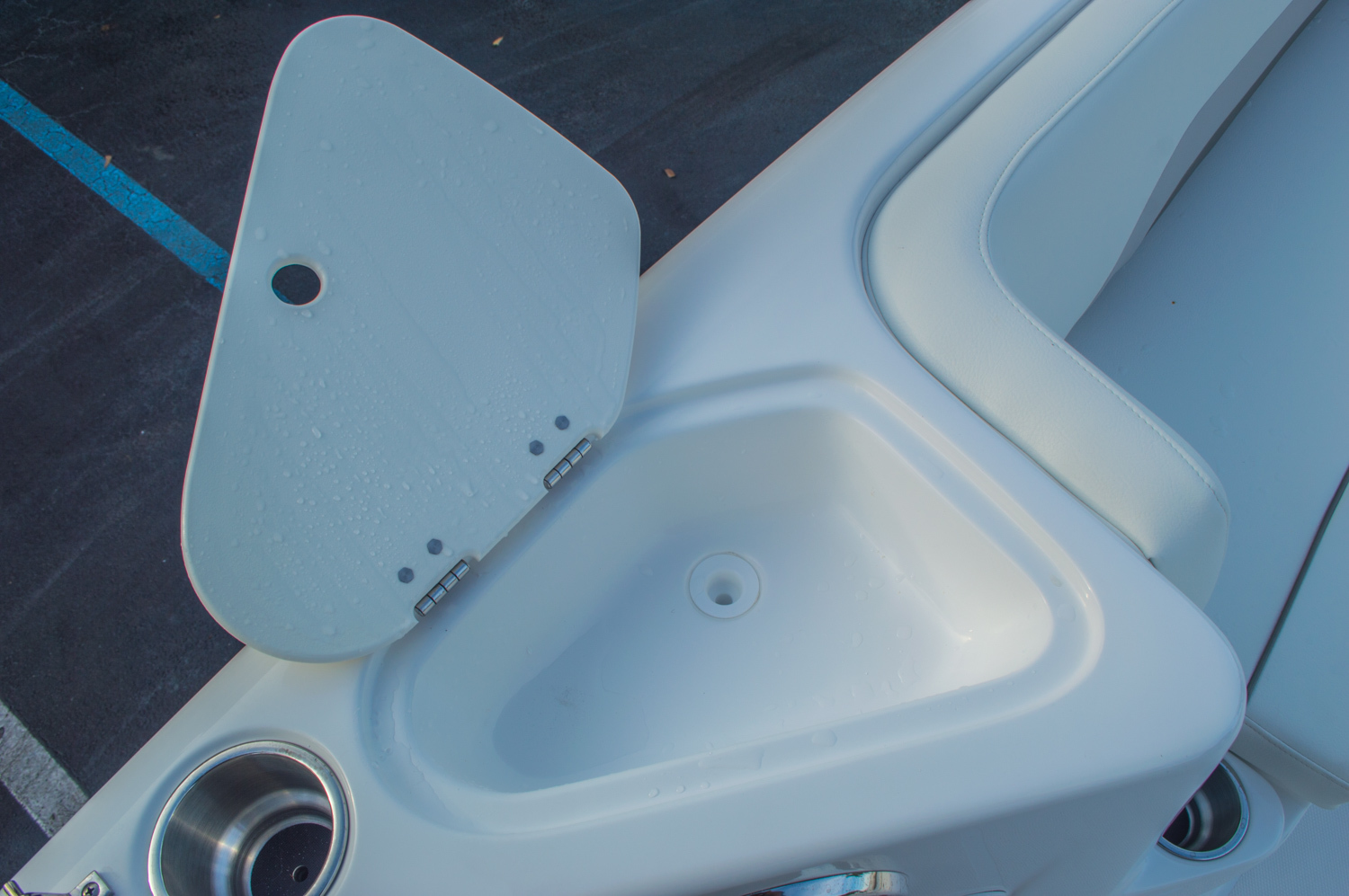 Thumbnail 36 for New 2016 Hurricane CC211 Center Consle boat for sale in West Palm Beach, FL