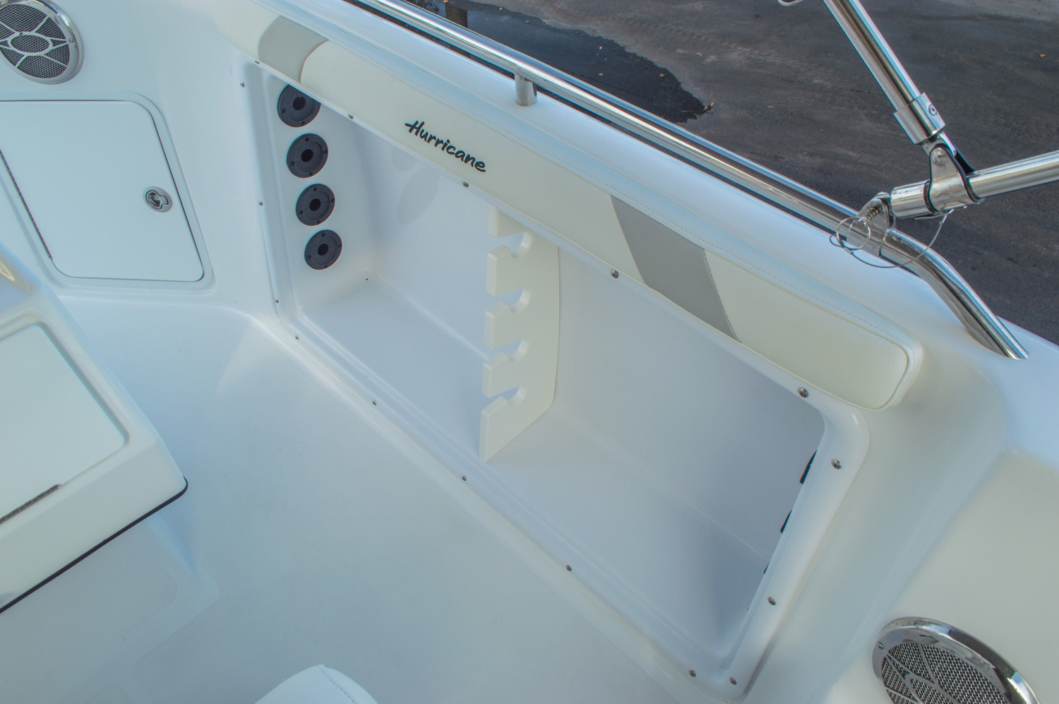 Thumbnail 37 for New 2016 Hurricane CC211 Center Consle boat for sale in West Palm Beach, FL