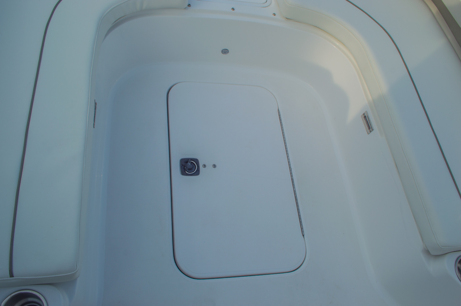 Thumbnail 44 for New 2016 Hurricane CC211 Center Consle boat for sale in West Palm Beach, FL