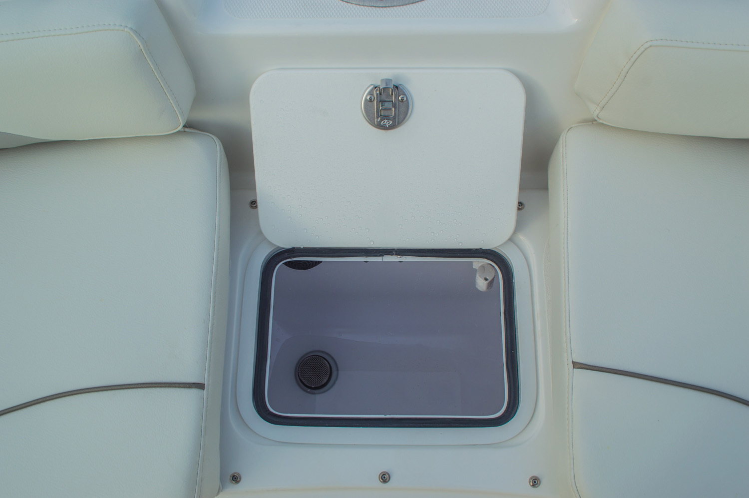 Thumbnail 51 for New 2016 Hurricane CC211 Center Consle boat for sale in West Palm Beach, FL